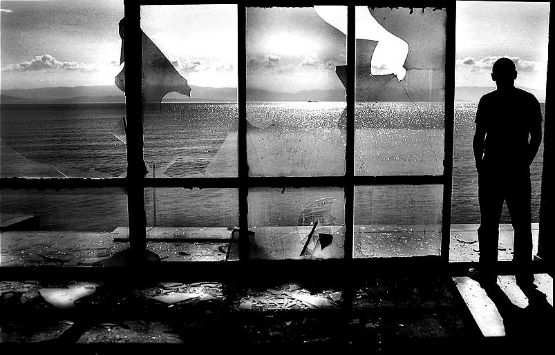 uomo alla finestra1